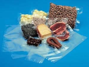 vakuumnaja-upakovka-300x225 Популярность вакуумных пакетов для упаковки продовольственных товаров